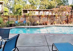 Creekside Inn, California Hotel Pool
