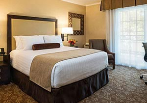 Creekside Inn - A Greystone Hotel, California King Bedroom