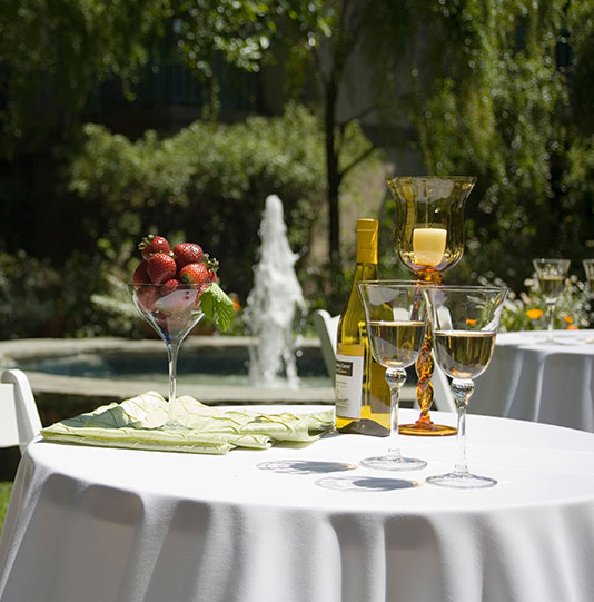 Creekside Inn, California Offering Dining Facilities